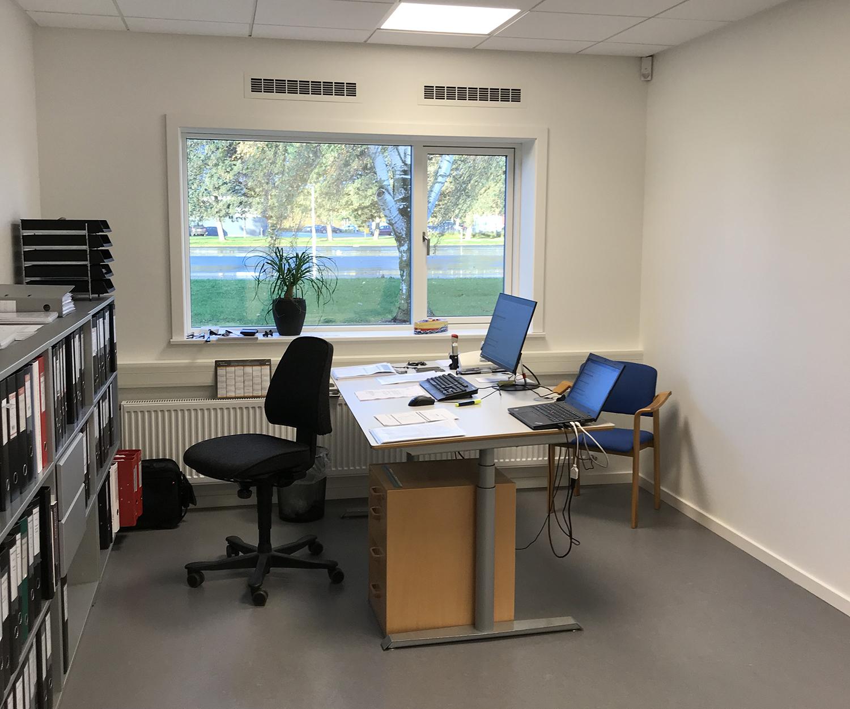 HB Medical kontor med MicroVent ventilation installeret