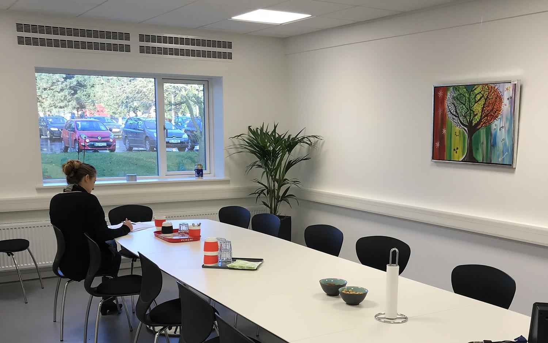 HB Medical mødelokale med MicroVent ventilation installeret