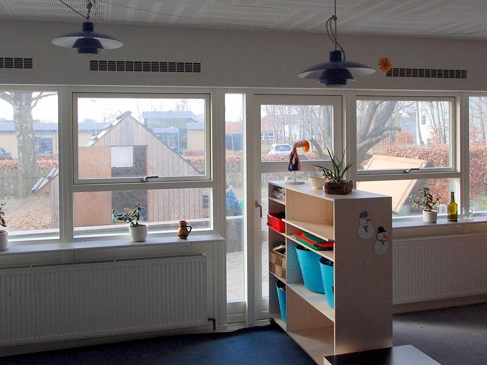 MicroVent ventilationssystem indenfor i Hjallerup Børnehave