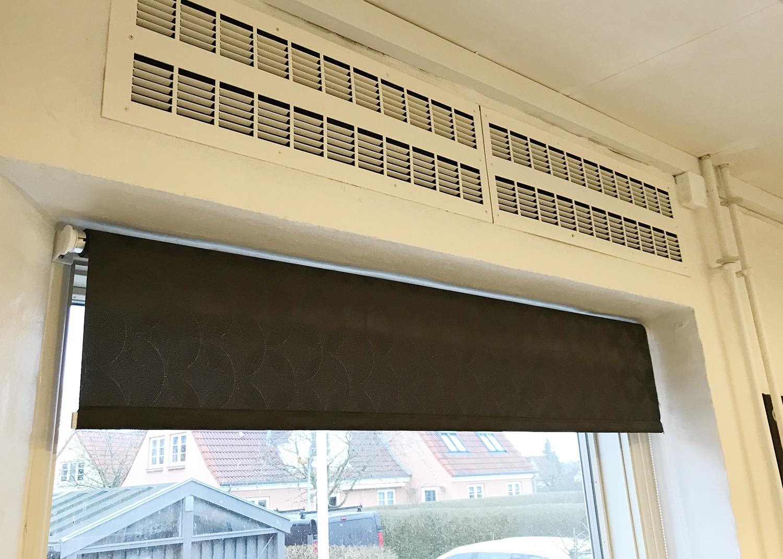 MicroVent ventilation over vindue på Køge Bugt Privatskole