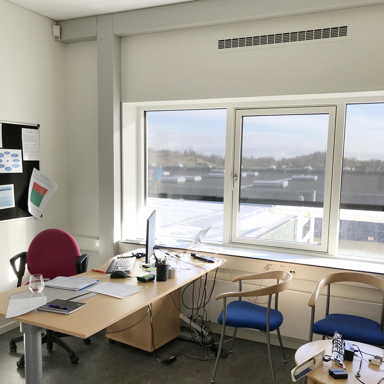 MicroVent ventilation sikrer sundt indeklima i kontor på Nyrupskolen