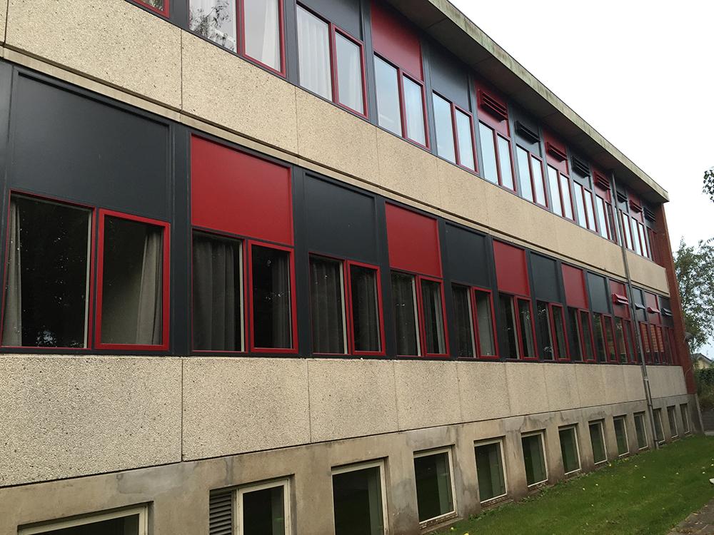 Udefra blik på hvilke lokaler på Øster Starup Skole der har MicroVent ventilation