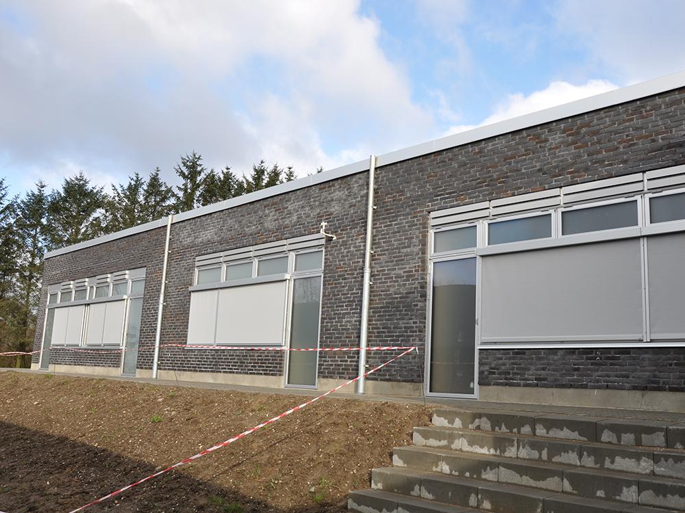 MicroVent udendørs ventilationssystem på Hadbjerg Skoles facade
