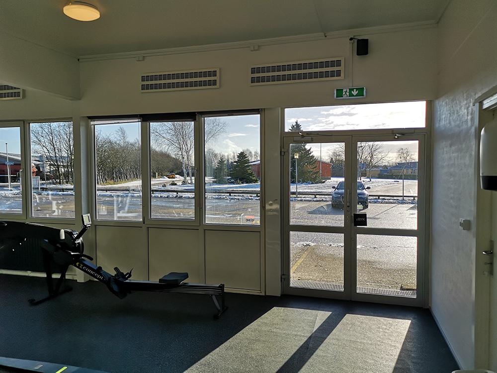MicroVent ventilationer over romaskine i Alhedens Fitnesscenter
