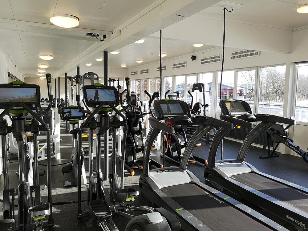 MIcroVent ventilationer over løbemaskiner i Alhedens Fitnesscenter