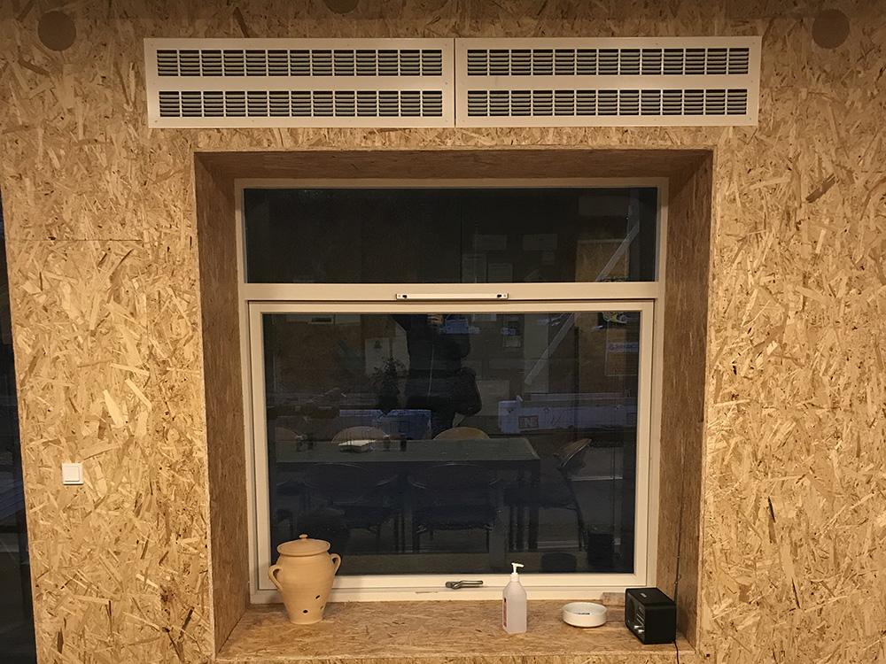 MicroVent ventilationsenheder over vindue i Musicon