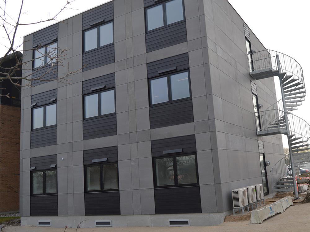 Per Aarsleff A/S kontorbygning med MicroVent ventilationsenheder installeret