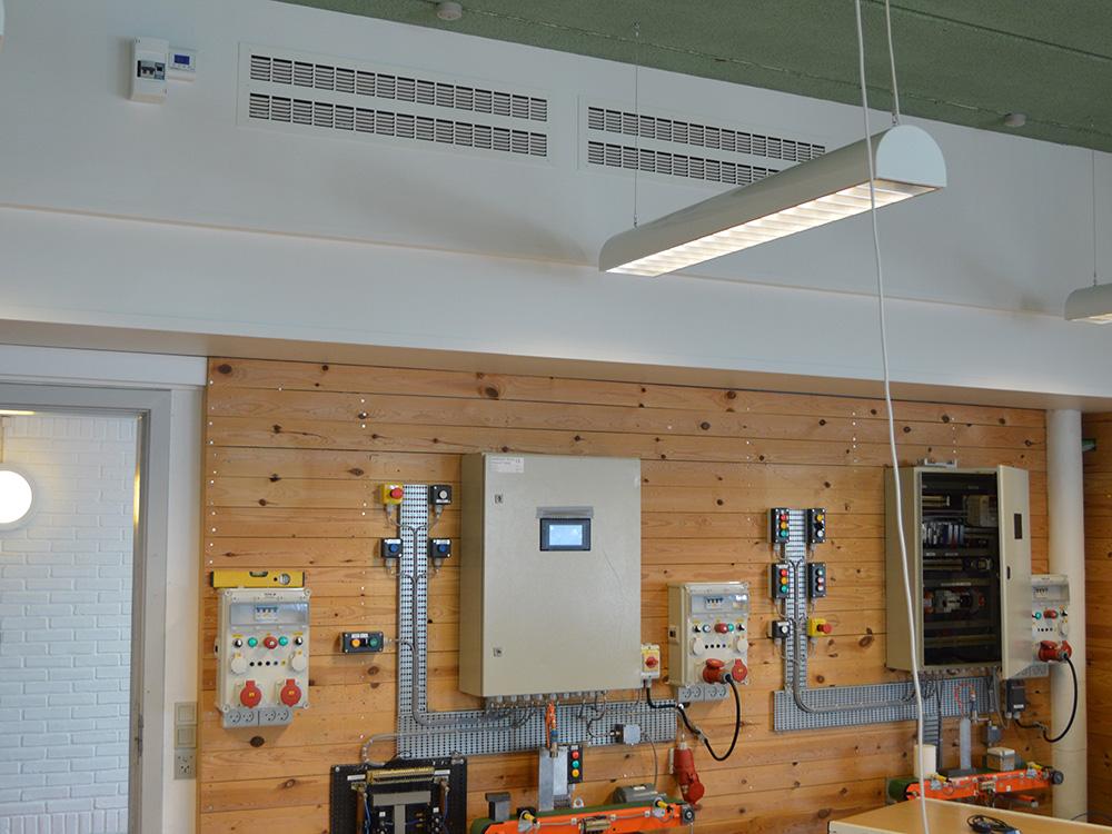 MicroVent ventilation installeret i arbejdslokale i Skive Tekniske Skole