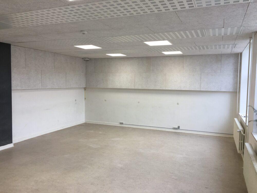 Indvendig installation af MicroVent ventilationssystem på Skaade Skole